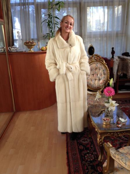 Szőrme - white mink long coat